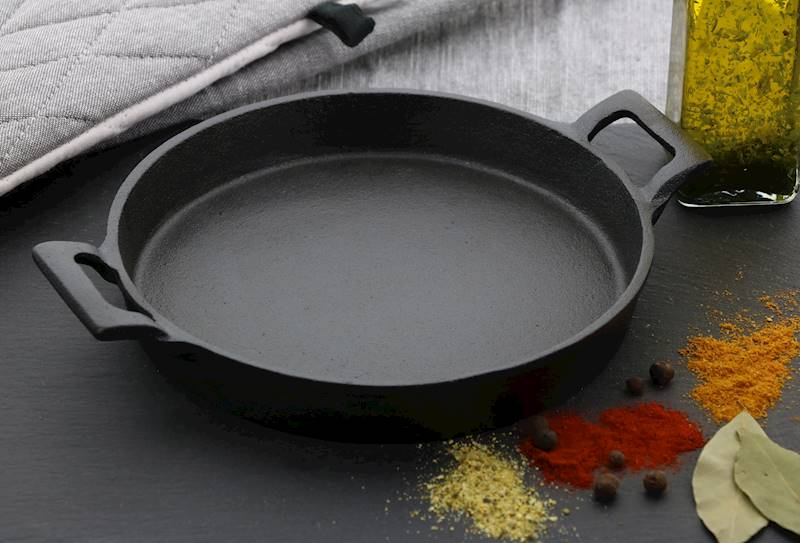 ŻELIWO-żeliwne naczynie do serwowania dań 20x30cm / CAST IRON Dish 20x20cm 8712442151340 / 23460354
