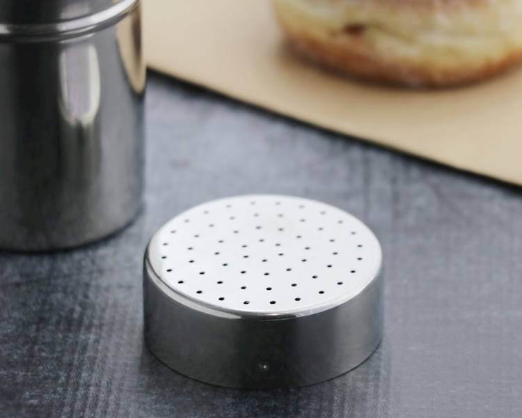 Stalowy pojemnik z dziurkami do dekoracji ciast 6x9 cm / Stainless steel cacao strainer 6x9 cm 8712442115793 / 22090674