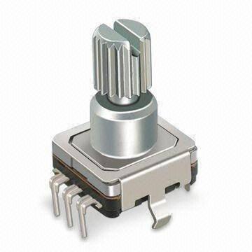 Enkoder 30 impulsów  l=15 z przyciskiem  EC12