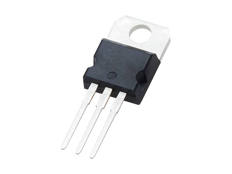 LM7810 ( L7810CV SGS 1,5A )