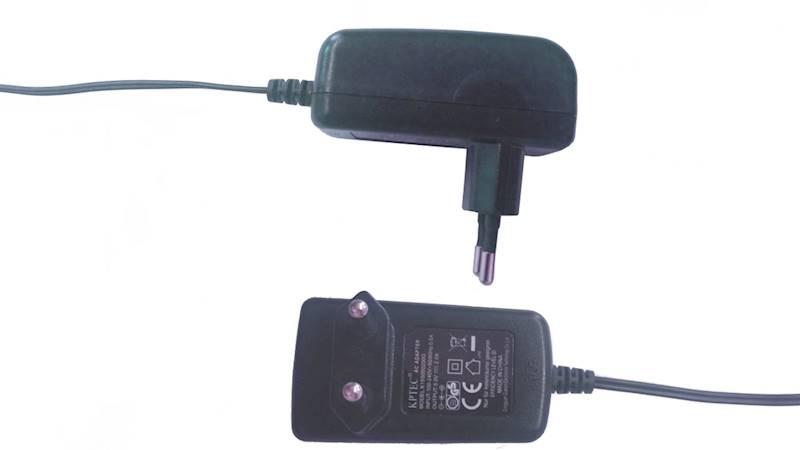 Zasilacz impulsowy 12V/1.5A DC4.8/1.7