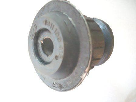 tuleja przednej belki zawieszenia AUDI 80 / 90 / VW PASSAT / SANTANA