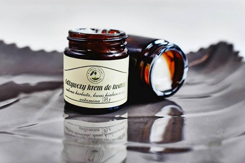 ZATRZYMAJ PIĘKNO- Odżywczy krem do twarzy- zielona herbata,kwas hialuronowy, witamina B3