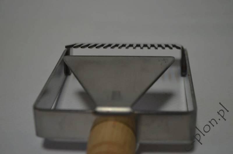 Odsklepiacz widelcowy z rączką drewn. z dystansem