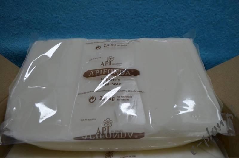 Pasza dla pszczół - ciasto APIFONDA 2,5 kg