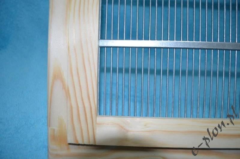 Krata metalowa odgr. wlkp. 12R w obud. drewnianej