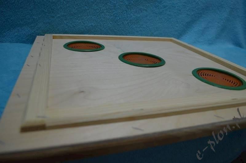 Powałka Dadant 12 R korpusowa z sitkami 3 otwory