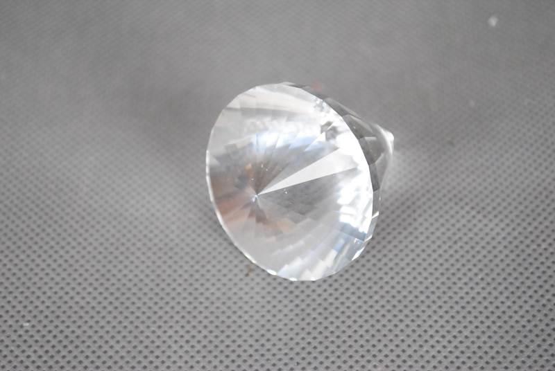 Kamień diament