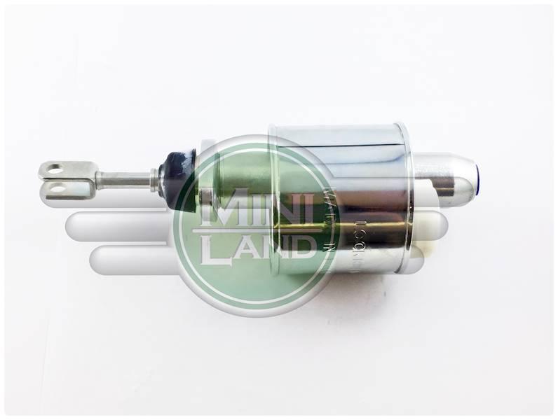 Pompa sprzęgła z metalowym zbiorniczkiem