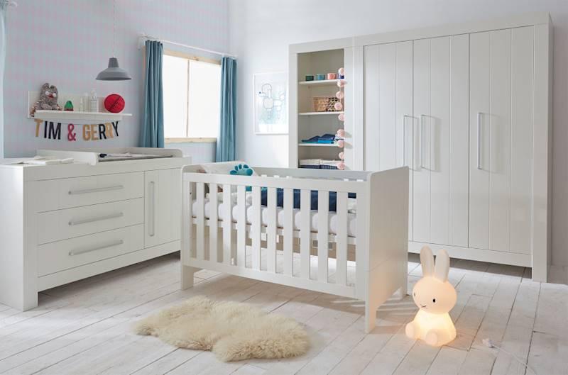 Pinio Calmo - Zestaw mebli 1 (szafa + komoda + łóżeczko 140x70 + regał + przewijak + półka)