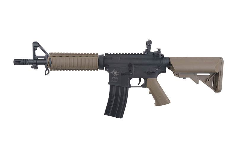 SPECNA ARMS Replika karabinka RRA SA-C04 CORE™ Half-Tan