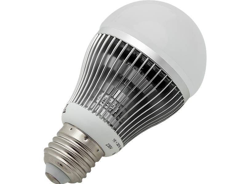 ŻARÓWKA LED E27 7W 230V B.CIEPŁA / 87-272