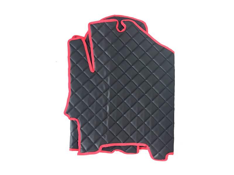 Dywanik pikowany Iveco 3os czarno-czerwony