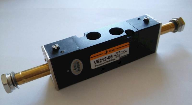 """EMC V5212-06 ELEKTROZAWÓR PIĘCIODROGOWY 5/2 1/8"""""""