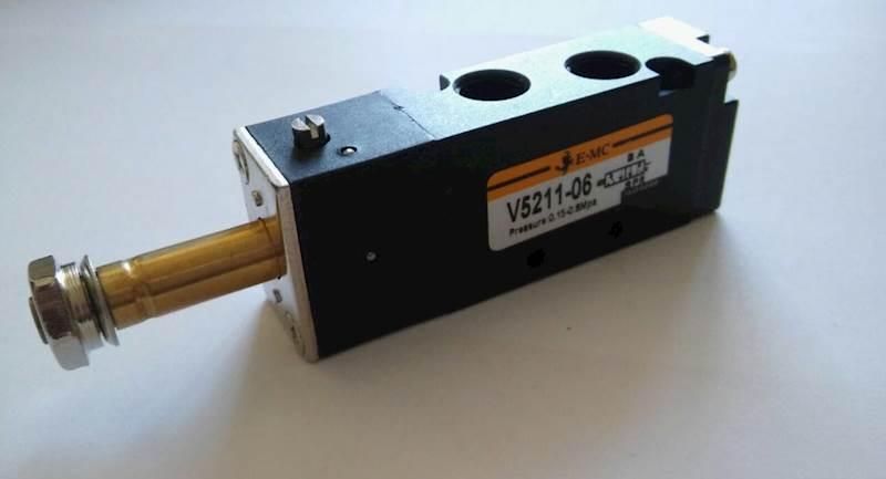 """EMC V5211-06 ELEKTROZAWÓR PIĘCIODROGOWY 5/2 1/8"""""""